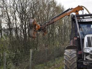 Travaux Agricoles elagage broyage agriculteur particulier broyeur haie faussée arbre entretient