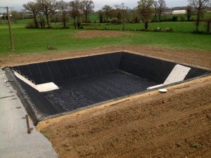 Travaux de terrassements houillot houillot for Membrane bassin